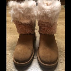 UGG Women's Classic Patchwork Fluff Boot Size 8